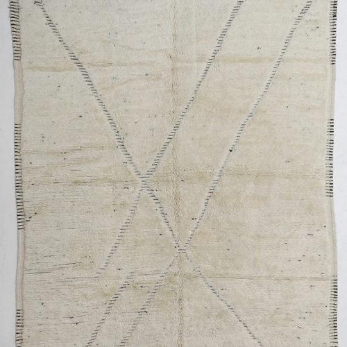 KK822 = 311cm x 249cm (122'' x 98'')
