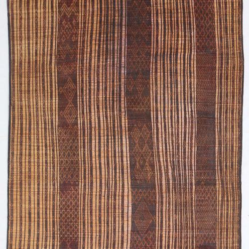 RR123 = 259cm x 165cm (102'' x 65'')