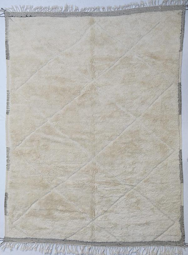 RR923 = 421cm x 314cm (165.8'' x 123.6'')
