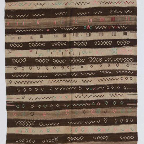 NN142 = 300cm x 138cm (118'' x 54'')